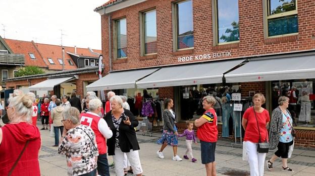 Røde Kors havde i anledning af deres 70-års jubilæum inviteret alle til at se den nyrenoverede butik. Foto: Tommy Thomsen Tommy Thomsen