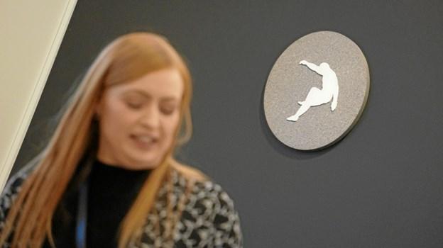 Formidlingsinspektør Kathrine Hejborg Kristensen, Vendsyssel Kunstmuseum, guidede folk rundt i Ole Tersløses fragmenterede univers.