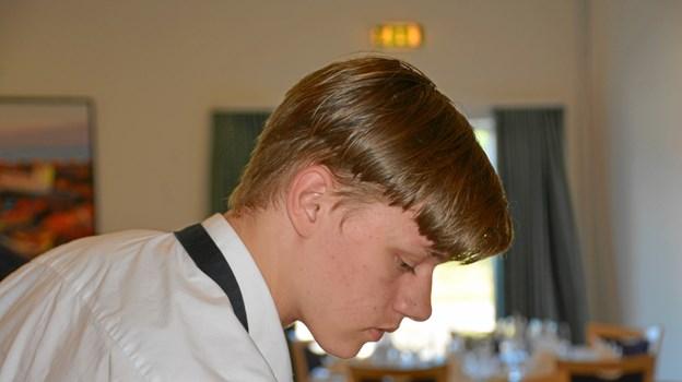Projektet handler om at få de unge kontantshjælpsmodtagere som 18-årige Mathias Dalsgaard ud og arbejde i turistbranchen, der har travlt her om sommeren.