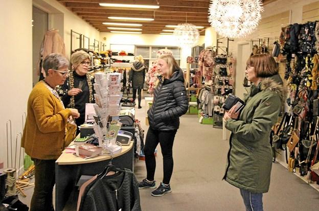 Også i TiKi var der trængsel og stor interesse for at købe gaver med store rabatter. Foto: Jørgen Ingvardsen Jørgen Ingvardsen