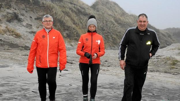 På 8 kilometeren gik turen forbi stranden. Foto: Flemming Dahl Jensen Flemming Dahl Jensen