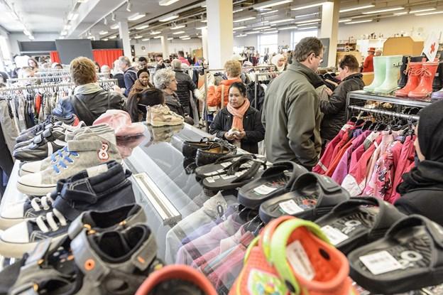 Siden Røde Kors Hjørring åbnede genbrugs-supermarkedet i Østergade er omsætningen i butikken fordoblet. Arkivfoto: Peter Broen