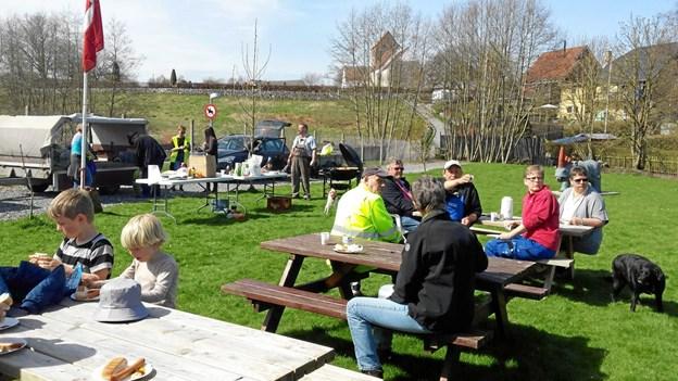 Affaldsindsamlingen i Valsgaard udgår også i år fra Anlægget ved bækken. Privatfoto