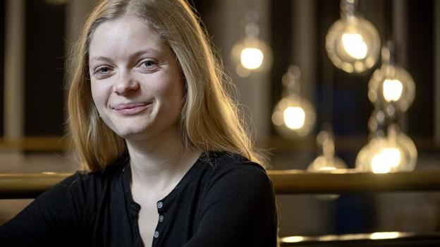 Til daglig er Amanda Haar musikterapi-studerende, men siden november har hun øvet på forestillingen på Aalborg Teater. Foto Lars Pauli
