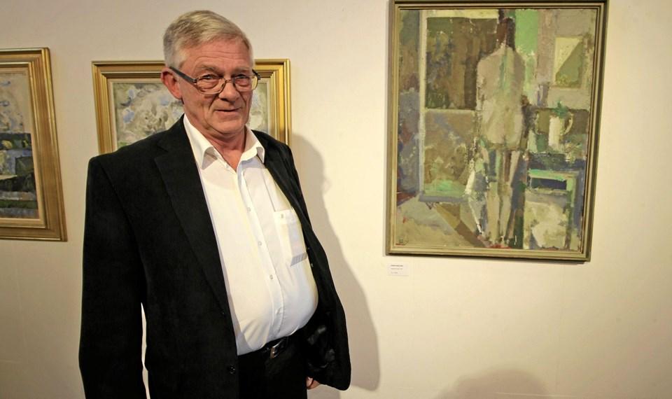 Advokat Asbjørn Hansen er en af de udstillende samlere. Det var også ham, der stod for åbningstalen. Foto: Jørgen Ingvardsen