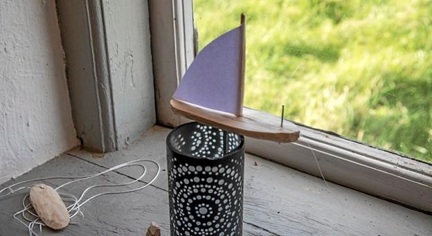 Man kunne også lære, at snitte en lille båd. Foto: Mogens Lynge