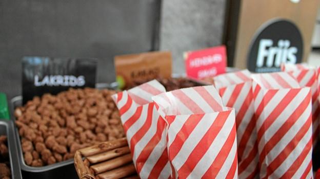 Hos Studenterbiksens Brændte Mandler kan du købe brændte mandler med enten lakrids-, kakao- eller hindbærsmag og selvfølgelig også den klassiske variant. Foto: Pauline Vink