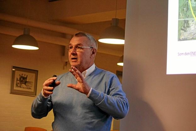 Dolan Sund fra ProFunding havde samlet tingene sammen fra introduktionsmødet i Idrætscenter Jammerbugt.