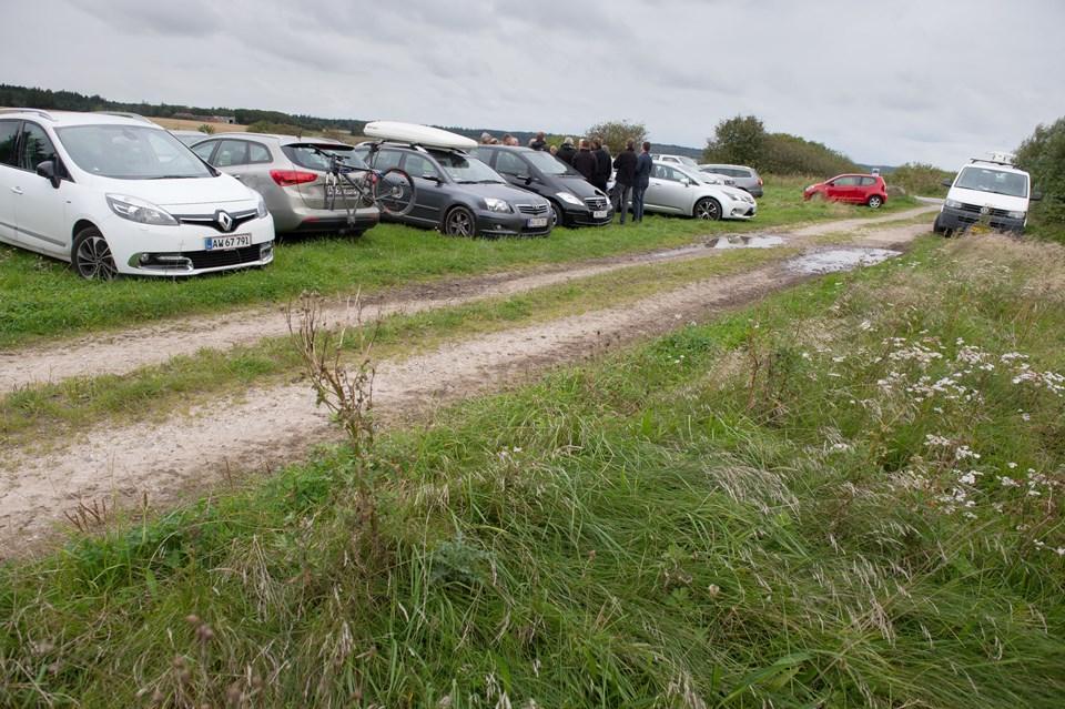 Der kan parkeres øst for Vandetvej, men området skal gøres bedre egnet til formålet. Foto: Bo Lehm