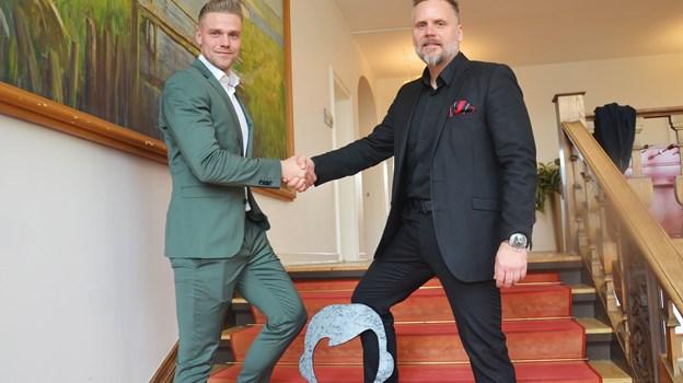 Her ses til venstre Waiteers nye direktør Søren Ib Sander og til højre den ene stifter og tidligere direktør Ricky Thygesen.  Privatfoto