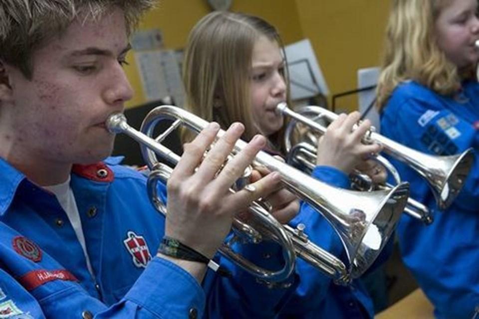 FDF i Hjallerup er vært ved orkesterkurset, hvor unge blæsere fra hele landet bruger hele weekenden på at øve. foto: bent jakobsen