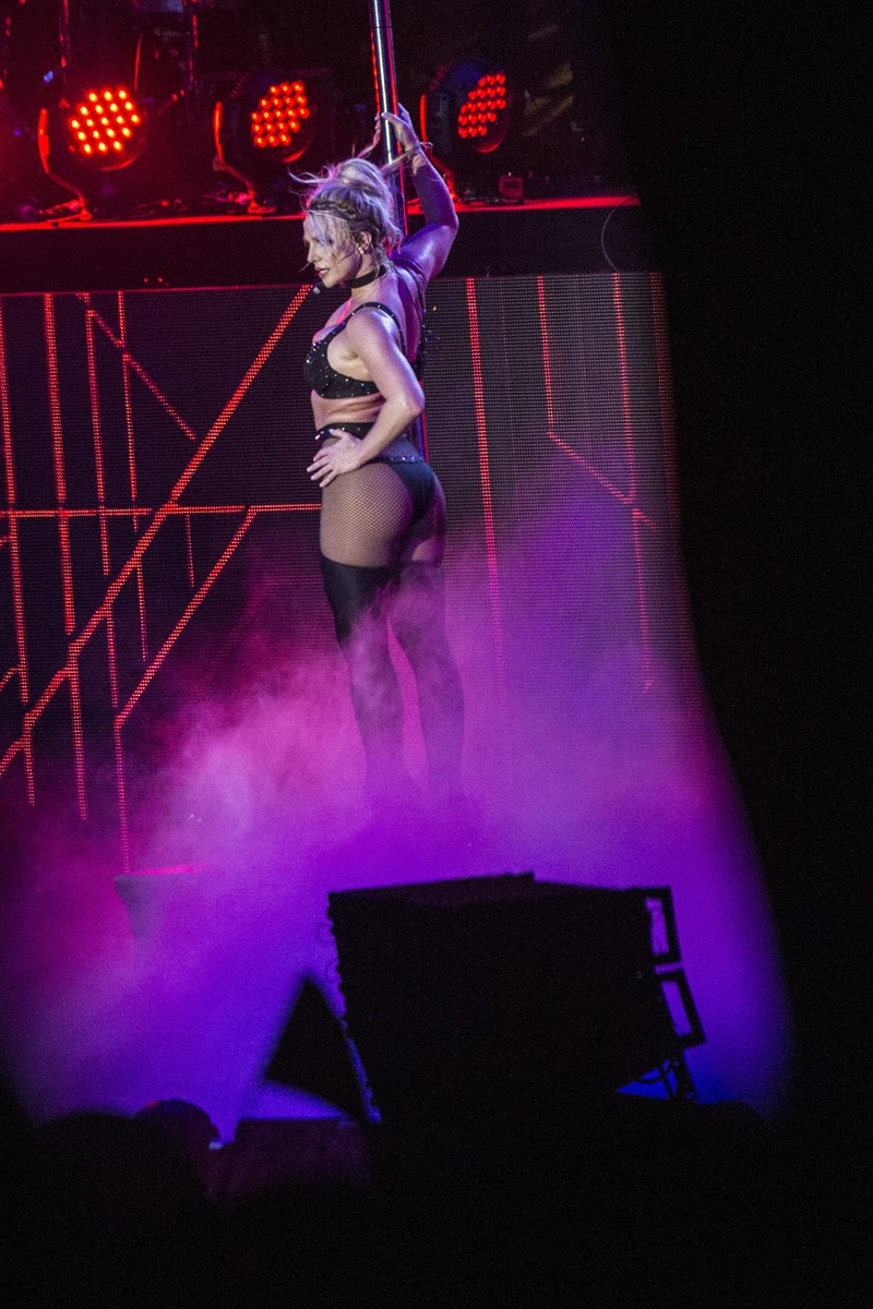 Britney Spears spiller med sit freakshow på Bøgescenen på Smukfest onsdag den 8. august 2018.. (Foto: Helle Arensbak/Ritzau Scanpix)