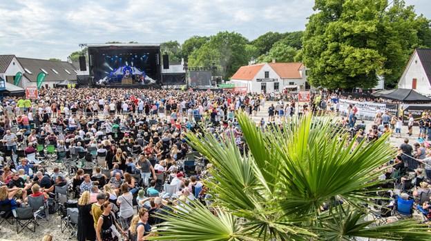 Frederikshavn. 12 timers rock-pop på Knivholt med 5000 tilhørere.   Foto: Peter Broen Peter Broen