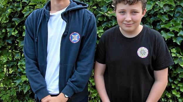 Frederik Larsen og Sebastian Johansen har begge haft store oplevelser i sommerferien. Her ses de efter hjemkomsten. ?Foto: Jørgen Ingvardsen