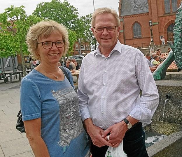 Hans Ejner Bertelsen, her sammen med fru Mette, ved By Night i Nykøbing. Arkivfoto: Dorit Glintborg.