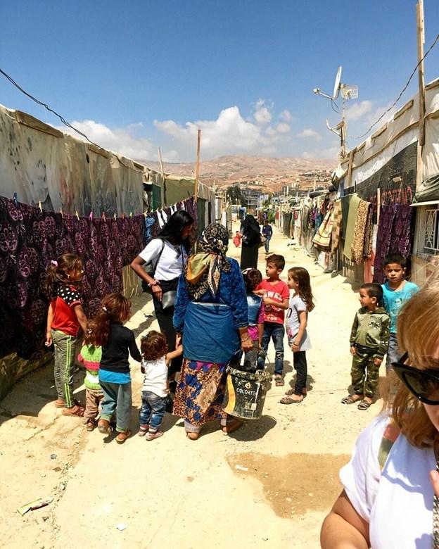 Sådan så en af gaderne ud i den flygtningelejr, som Malene Andersen besøgte. Det gjorde stort indtryk på hende at se, hvor primitive vilkår, de mange syriske flygtninge lever under.Privatfoto