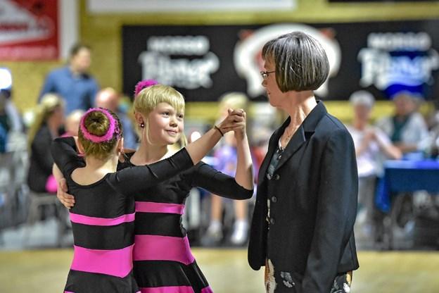God kontakt mellem Henny Lauridsen og eleverne. Foto: Ole Iversen Ole Iversen