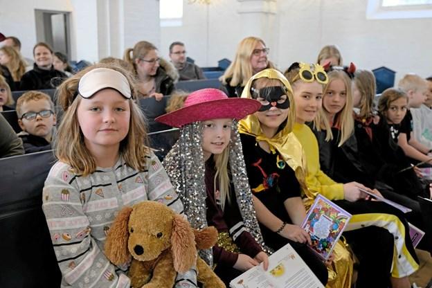 Til fastelavnsgudstjenesten i Bykirken var der 120 festlige udklædte børn og voksne. Foto: Niels Helver