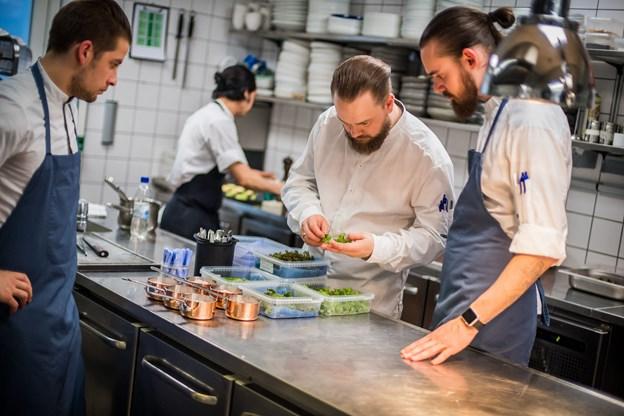 Her ses kokke fra Strandhotellet i Blokhus.