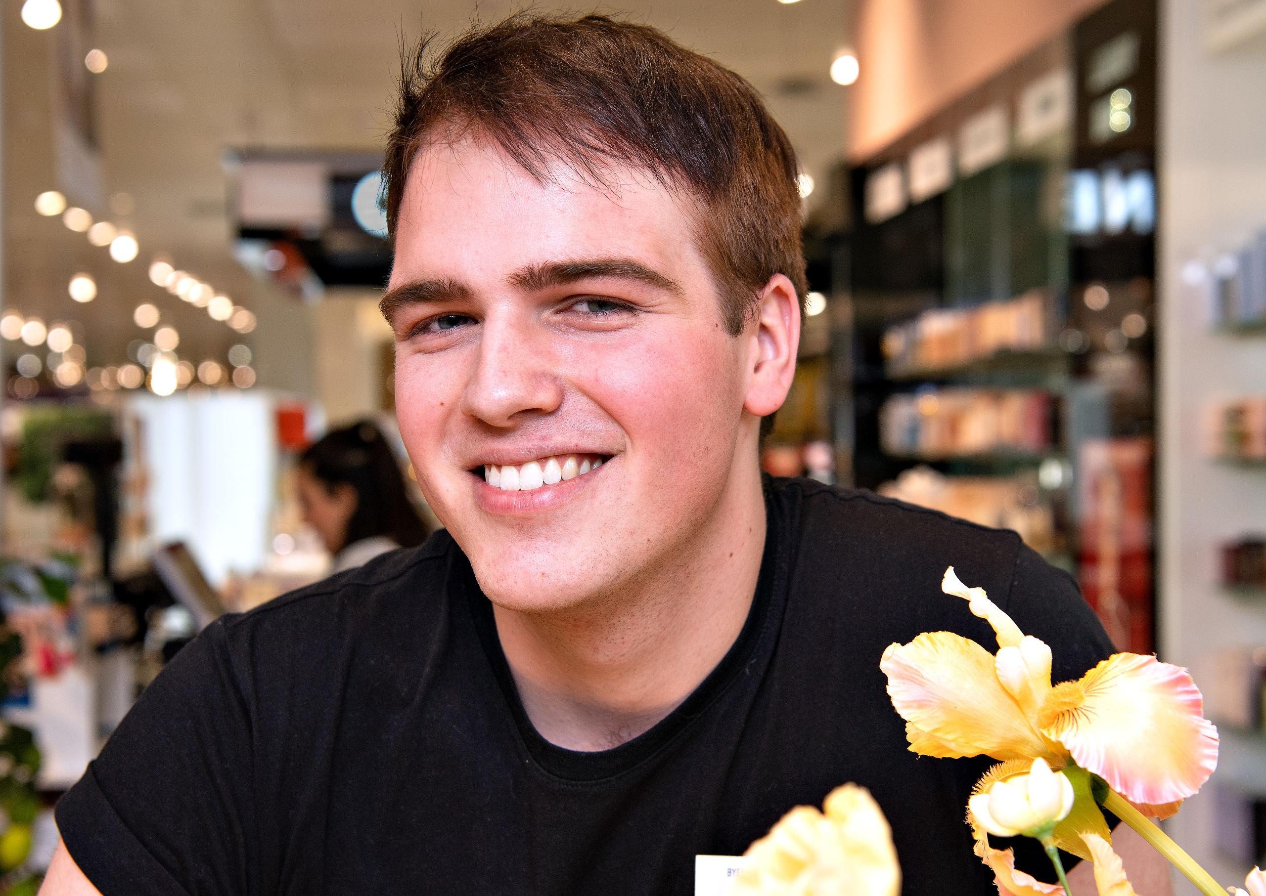 Oprindeligt var drømmen at blive skuespiller, men nu går Johannes Veise all in på at arbejde med parfumer. Foto: Hans Ravn