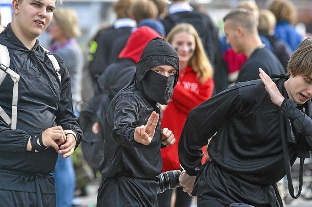 Ninjaer på kajen. Foto: Ole Iversen