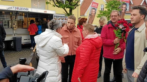 Formand for Socialdemokratiet Mette Frederiksen på besøg i Skagen sammen med Bjarne Laustensen og borgmester Birgit S. Hansen. Foto: Ole Svendsen