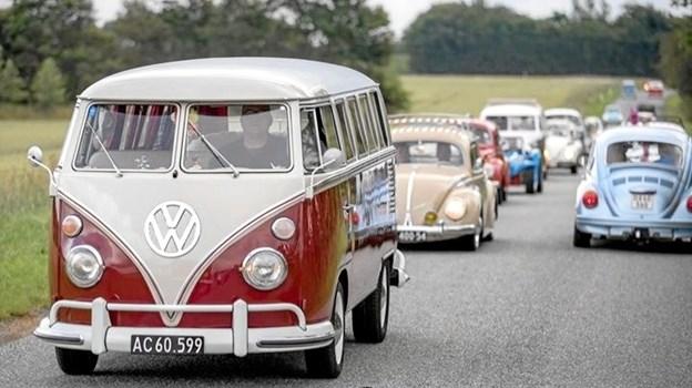 Der er adgang for publikum lørdag eftermiddag, hvor man kan få et kik på de mange flotte, gamle køretøjer. Foto: MIB Aalborg.