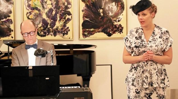 Helle og Dynes Skovkjær gæstede onsdag aften Ulsted med musikforedraget 'Toner af guld'. Foto: Allan Mortensen Allan Mortensen