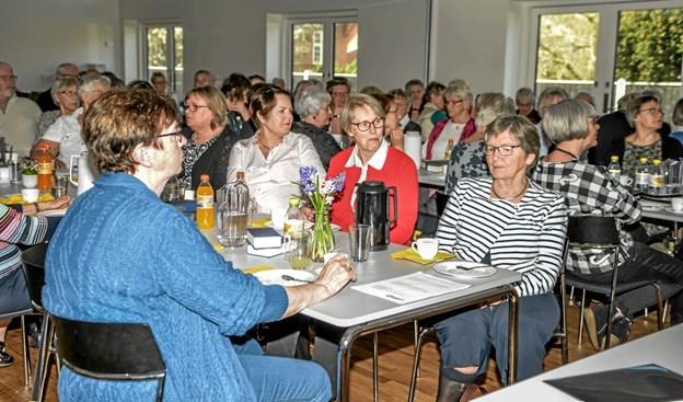 Mødet var både af orienterende og oplysende karakter - om nye tiltag og orientering om hvad de indtjente penge går til. Foto: Mogens Lynge Mogens Lynge
