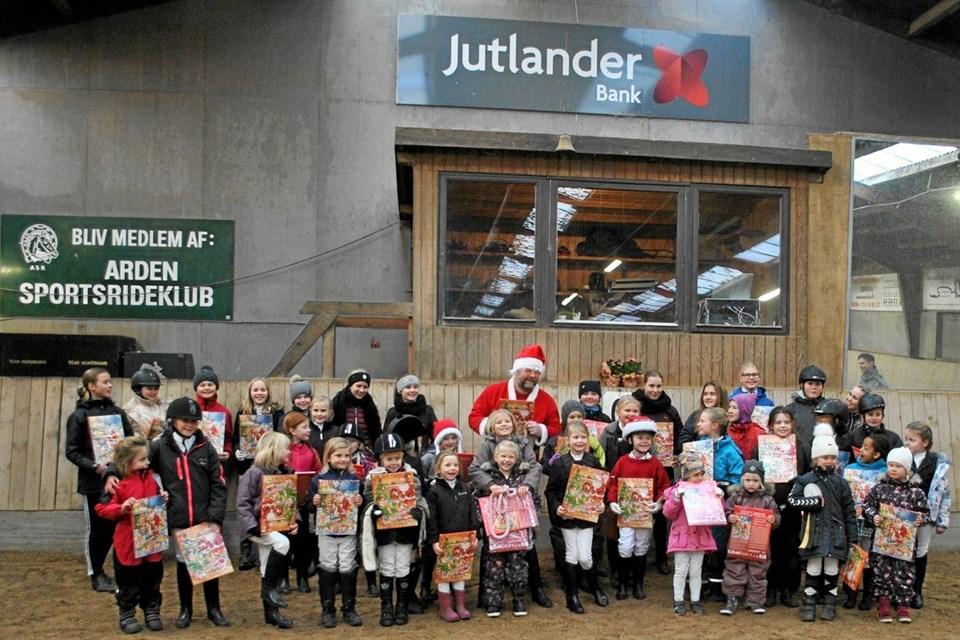 Julemanden kiggede forbi hos Arden Sports Rideklub. Privatfoto