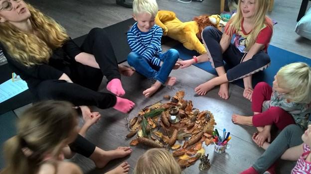 Yoga for børn er også en af dagens aktiviteter. Privatfoto