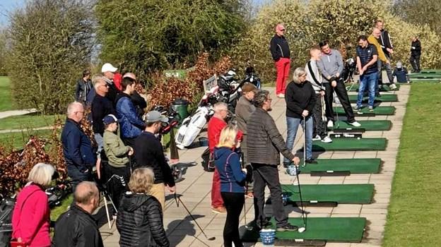 Går det, som Mariagerfjord Golfklub håber, bliver der livlig aktivitet på udslagsbanen i Aa Mølle i uge 29. Privatfoto