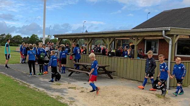 FIF's klubhus og baner på Brøndumvej dannede udgangspunkt for årets fodboldskole. Foto: FIF