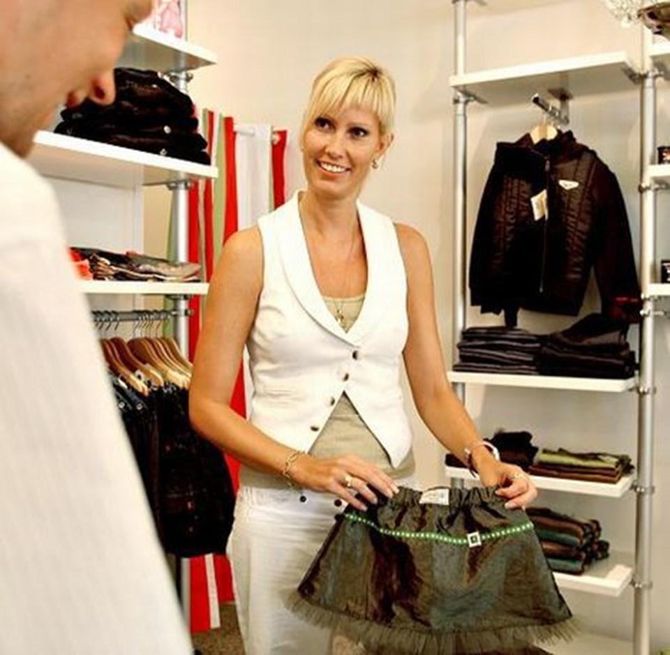 Nederdelen her er af mærket Stjernestøv. Det er veninden Sanne Søndergaard, der designer tøjet. foto: michael koch