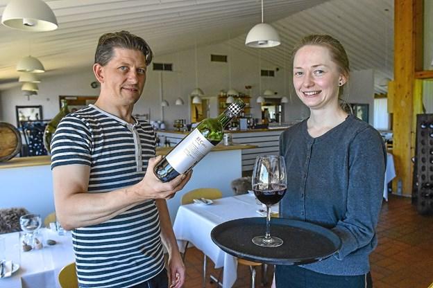 Laura Labornarska og Alex Jensen er det nye forpagterpar i Familierestaurant Vigsø. Foto: Ole Iversen