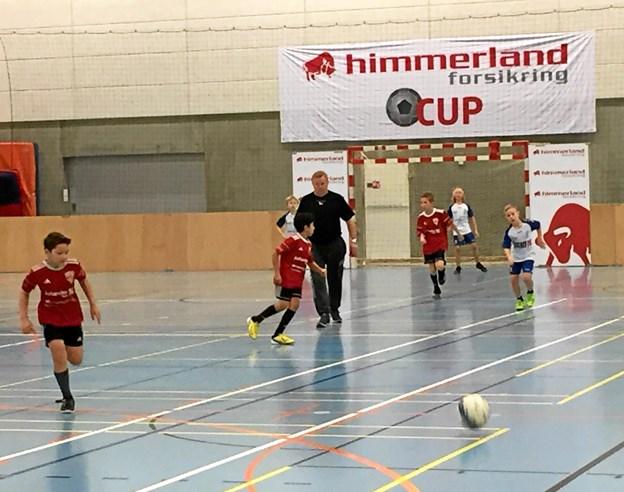 Omkring 1600 unge fodboldspillere var i aktion under 2019-udgaven af Himmerland Forsikring Cup i Løgstør og Ranum. Til næste år satser arrangørerne fra Løgstør IF på at tilbyde op imod 500 af stævnedeltagerne overnatning i forbindelse med stævnet. Privatfoto