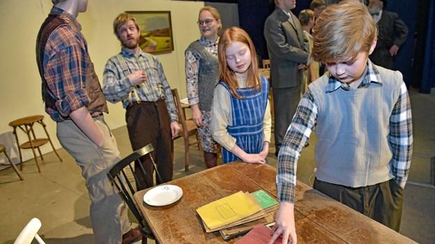 Der er også børn med i årets stykke: Luna Grud Sørensen og Frederik Lykke. Foto: Ole Iversen Ole Iversen