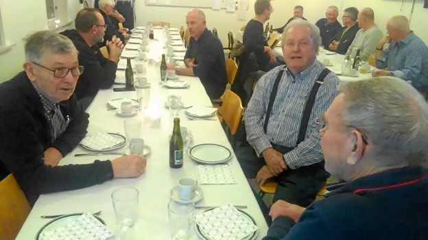 Fra spisningen bagefter er det fra venstre Ove Bach, Per Smed og Jørn Olesen. Privatfoto