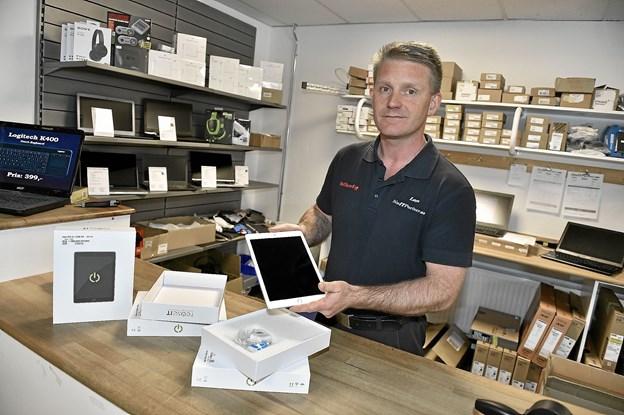 En refurbished Ipad Air, kun to år gammel, der ser ud som ny, kan man spare 30-40 procent på i forhold til en ny.Foto: Ole Iversen