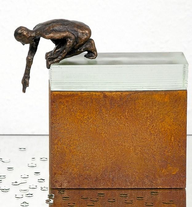Blandt de mange værker på påskeudstillingen er denne bronzeskulptur af Marianne Schultz.Privatfoto