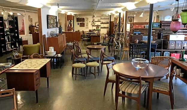 'Den hvide hest' er en ny antik- og vintagebutik med adresse på Mosbækvej ved Aars. Privatfoto