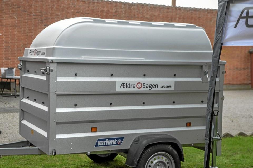 Og Ældresagen i Løgstørs trailer, så grillen er mobil og også bruges ved andre lejligheder i byen. Foto: Mogens Lynge Mogens Lynge