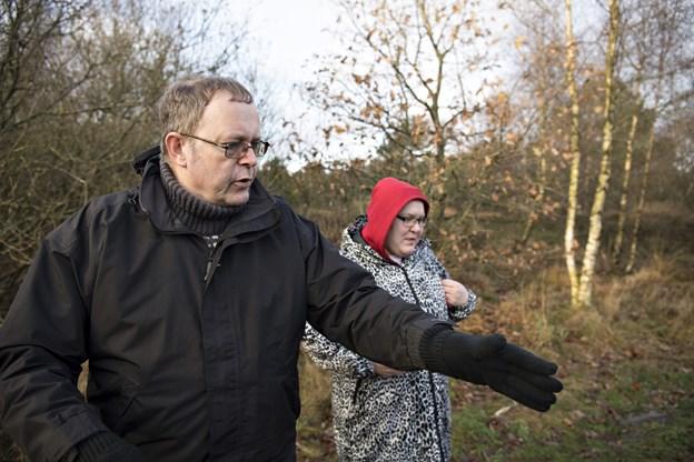 Her er Erik Holm Sørensen guide på en af Frisk i Naturens ture til Tolshave Mose. Arkivfoto: Kurt Bering