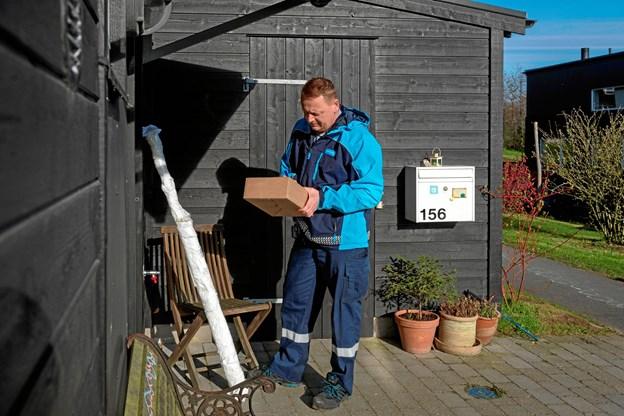 I Fjerritslev afleverer posten pakken i skuret eller et andet hemmeligt sted hos halvdelen af borgerne. Foto: Postdanmark