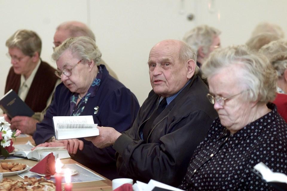 Sangbogen tages igen frem i sognegården   Arkivfoto Hans Ravn