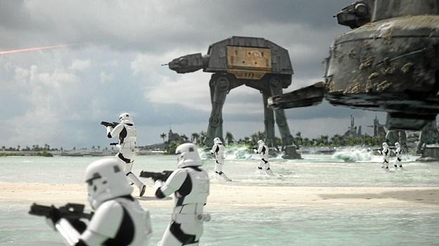 Man tror, det er løgn: Star Wars kommer - måske - til Råbjerg Mile. Pressefoto fra Rogue One - a Star Wars Story