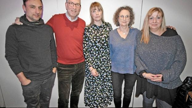 Den nye bestyrelse består af Peter Smalbro, Torben Mersholm, Sanne Pedersen, Hanne Pedersen (suppleant) og Charlotte Johansen samt Janne Bak, der var fraværende. Foto: Jørgen Ingvardsen