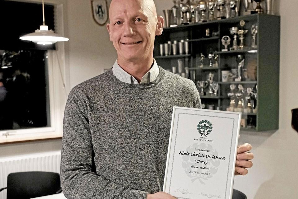 Niels Christian Jensen måtte tilkaldes fra et andet arrangement, da det blev kendt, at han skulle udnævnes til æresmedlem. Foto: Niels Helver Niels Helver