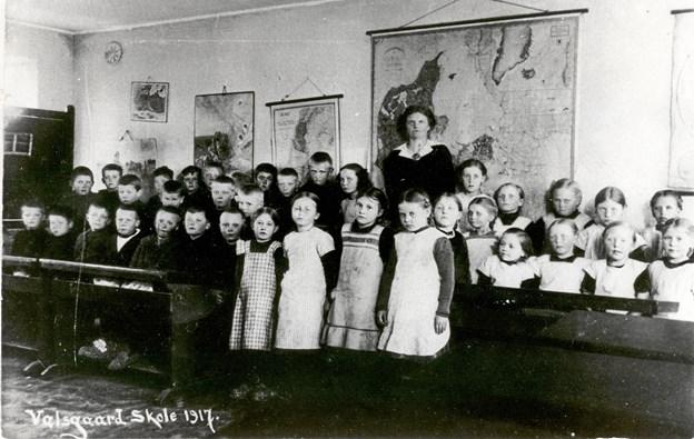 Elever på gamle Valsgaard Skole anno 1917.