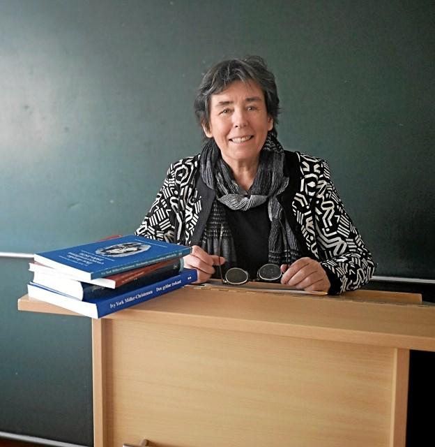 Ivy York Möller-Christensen under en forelæsning  i Flensburg.  Privatfoto